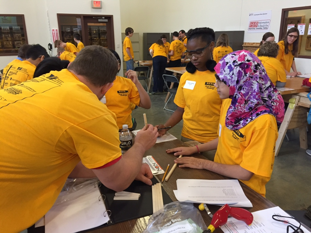 Williams employees lend guidance, expertise at STEM workshop